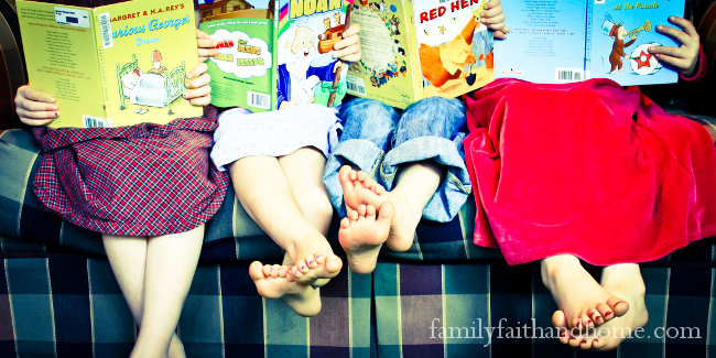 Family-Fun-Kids-Reading-on-Couch