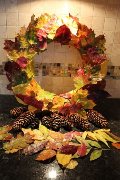 final-shadow--fall-wreath-from-real-leaves-HappyandBlessedHome.com.jpg