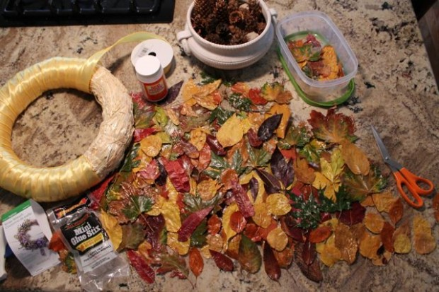 supplies-fall-wreath-from-real-leaves-HappyandBlessedHome.com