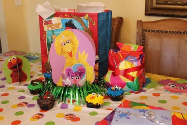 Sesame Street Birthday Party Decorations Big Bird and Elmo Photo Copyright 2014 HappyandBlessedGome.com