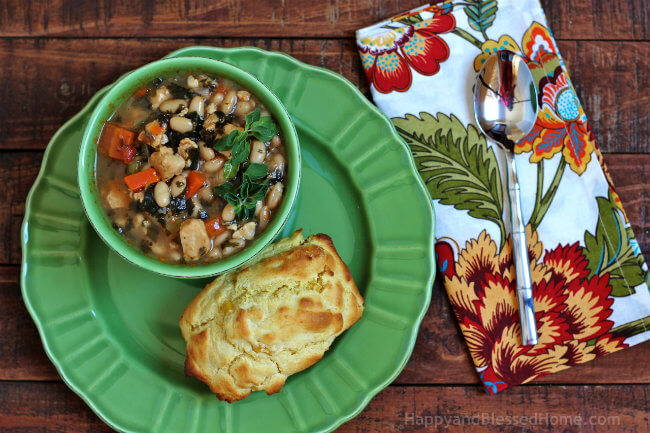 Ready to Eat Creamy Corn Bread Recipe and Campbell's Slow Kettle Tuscan-Style Chicken and White Bean Soup HappyandBlessedHome