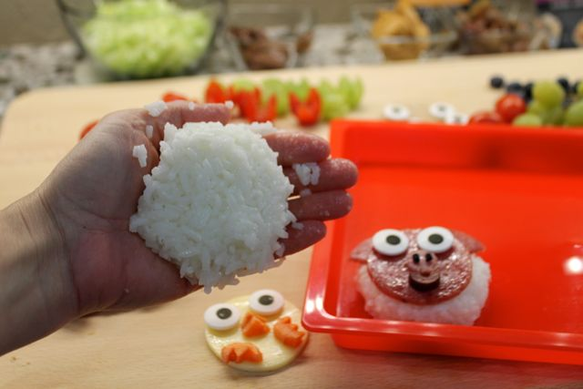 Creating rice patties for your bento boxes
