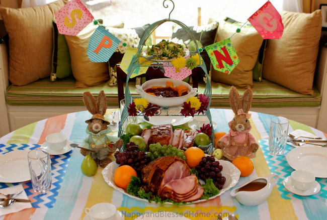 10 Tips to set a Simple Easter Table from HappyandBlessedHome.com