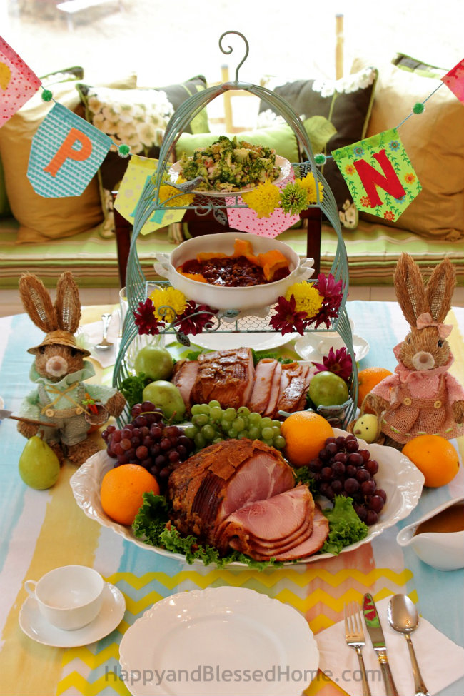 HoneyBaked Ham 10 Tips for a Simple Easter Table from HappyandBlessedHome.com