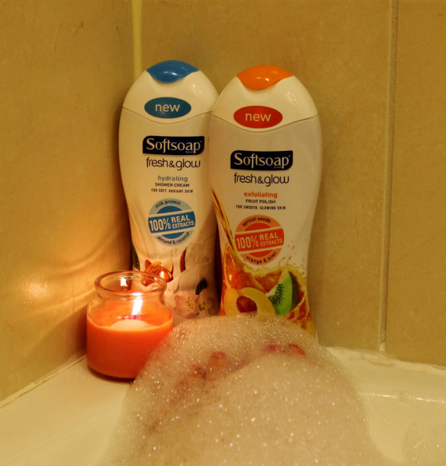 Relaxing in a Warm Bath with Softsoap Body Wash from HappyandBlessedHome.com