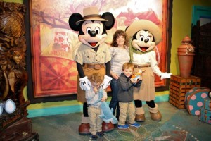 Family photo with Mickey Mouse and Minnie Mouse at Walt Disney World