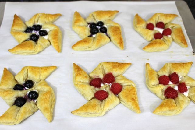 Fully baked puff pastries