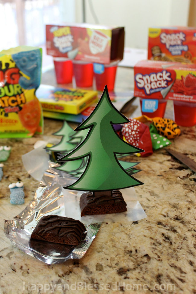 I created tree stands from Snack Pack Pudding Bars in yummy Chocolate - hot air balloon craft tutorial by HappyandBlessedHome
