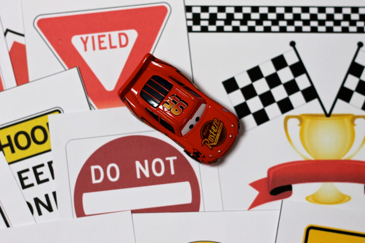 Race Car Printables with DIY Checkered Flag and Race Track ...