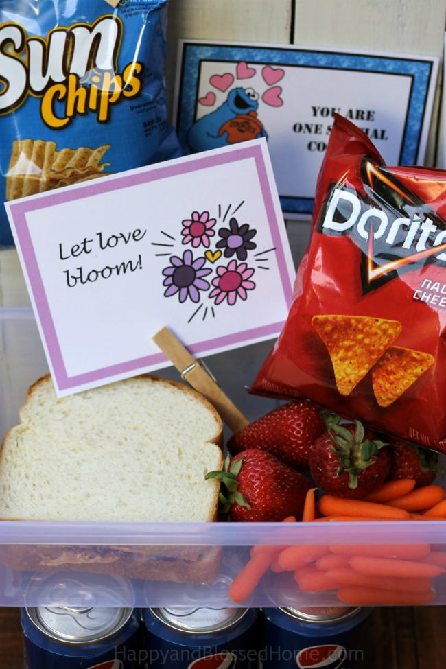 Free encouraging lunch box notes for boys and girls from HappyandBlessedHome