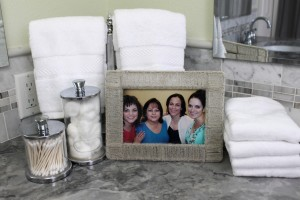 Tips for decorating with White Bathroom Coutertop