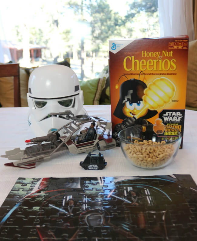 Droid Viewer Mouse Droid with a scene from Star Wars The Force Awakens in specially marked General Mills Cereals