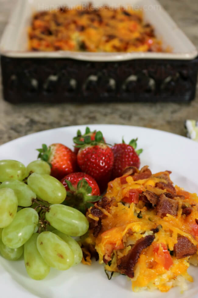 Easy and Tasty Hash browns, Eggs and Bacon Breakfast Casserole