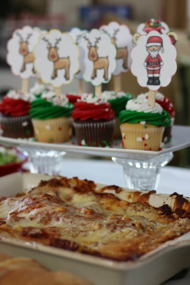 Christmas holiday with FREE Christmas Party Printables, Stouffer's Italian Entreés, and Mozzarella, Cucumber and Tomato Salad Recipe