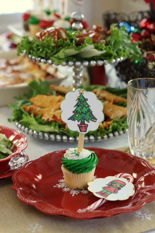 Cupcakes with FREE Christmas Party Printables, Stouffer's Italian Entreés, and Mozzarella, Cucumber and Tomato Salad Recipe