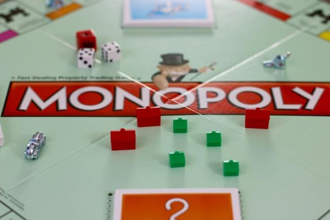 Buy sell and trade property on MONOPOLY