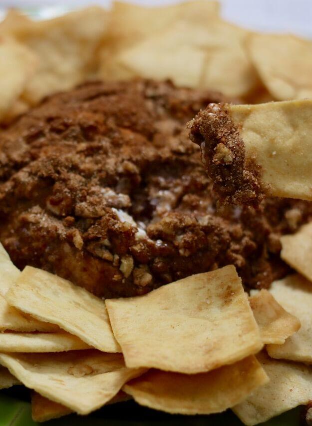 Cinnamon Apple Pie Dip - perfect for parties