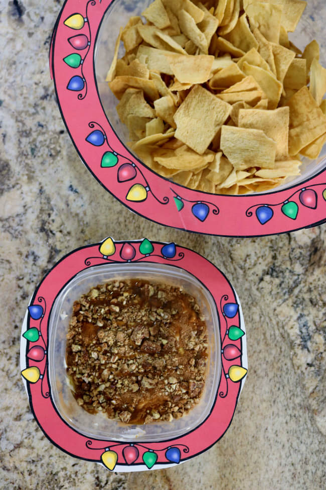 Take this easy party appetizer in Reynolds TakeAlongs with free party trim printables