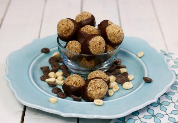 An energy packed protein ball - SKINNY Peanut Butter and Chocolate Buckeyes