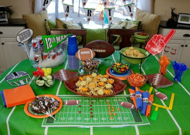 Big Game party tips with free printable planner and football party decorations and snack ideas with SNICKERS®, Skittles®, Pepsi, TOSTITOS chips and salsa