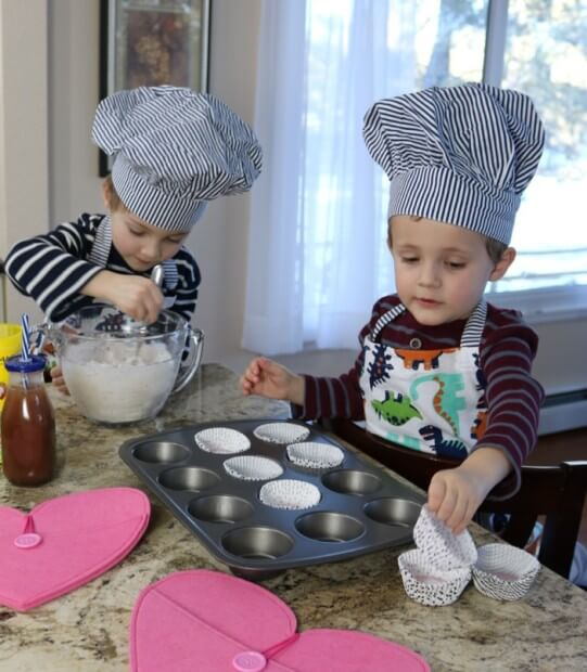 10 Tips for Cooking with Kids - stretch their skills