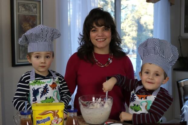 10 Tips for Cooking with Kids - We're building memories with Mommy!