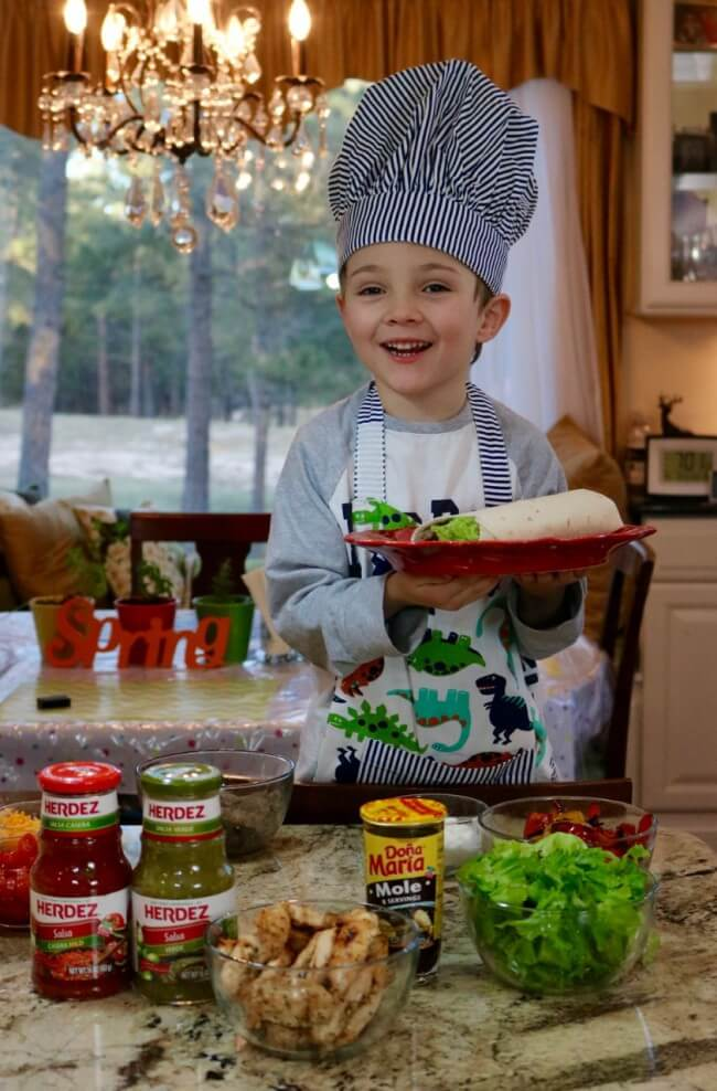 Encourage your little chef with this Easy Mexican Fajitas Recipe