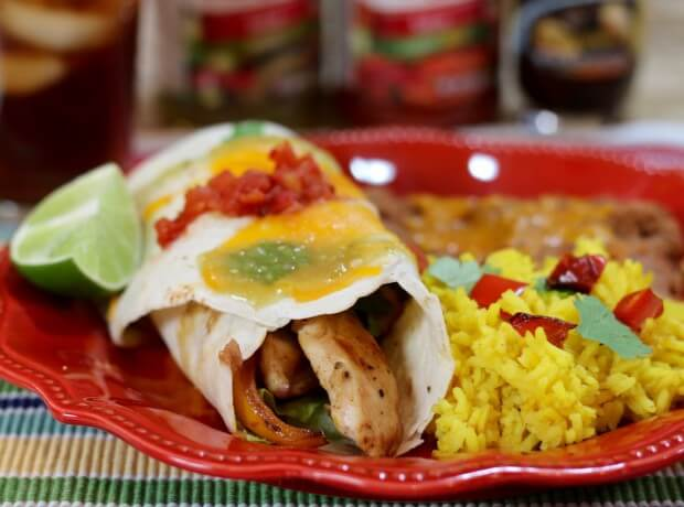 Easy Mexican Fajitas - Chicken, and celebrating Día del Niño