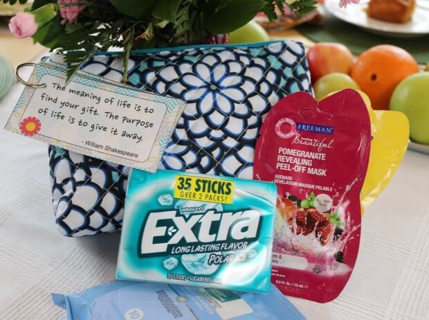 Makeup Clutch and Beauty Treatments: Teacher Appreciation Gift Ideas