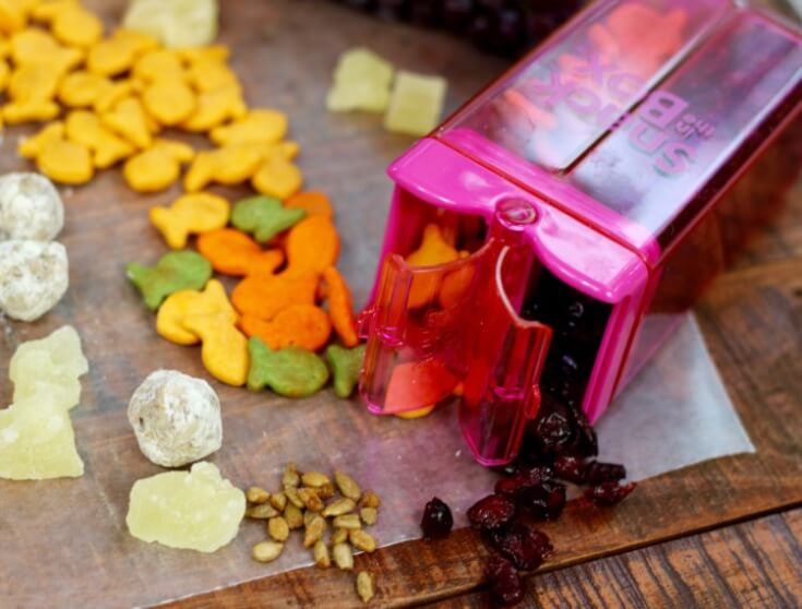 8 Solutions for Snack Attacks link cranberries in a Snack-in-theBox