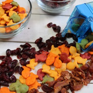 Protein Packed Snack – Bacon, Cranberry and Goldfish crackers Snack Mix Recipe