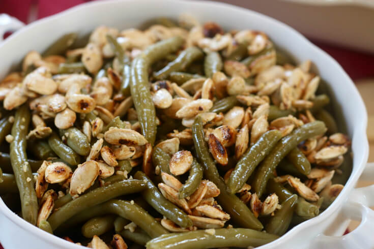 Green Beans with garlic and roasted pumpkin seeds