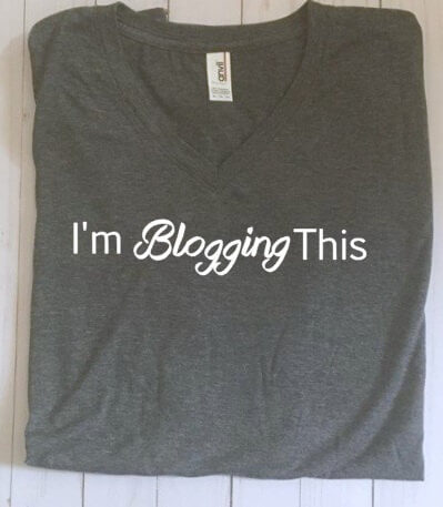 Great gift for bloggers - I'm Blogging This T-shirt