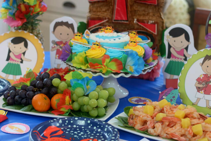 Free 50 page party pack for a hawaiian luau happy and blessed home easy recipes and a free 50 page party pack for a hawaiian luau forumfinder Choice Image