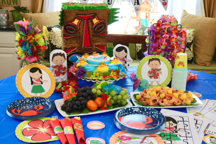 FREE 50 Page Party Pack for a Hawaiian Luau to set the perfect party table - IMG_7495