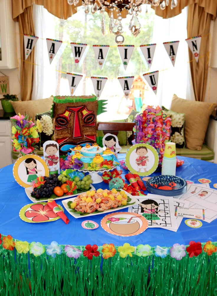 FREE 50 Page Party Pack for a Hawaiian Luau with decorations and party food