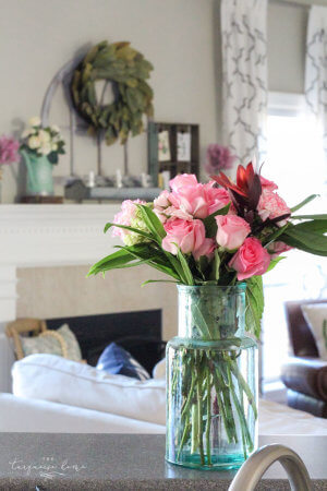 simple-floral-spring-mantel-33 (1)