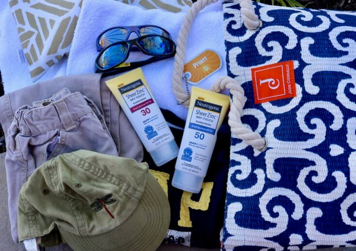 10 Outdoor Playdate Essentials for Moms - remember to pack an extra set of clothes