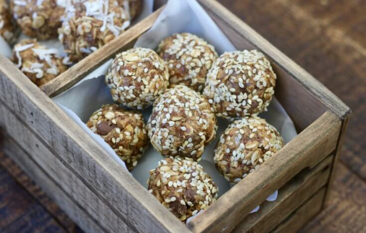 Chocolate Chip, Peanut Butter, Honey and Oat Energy Bites