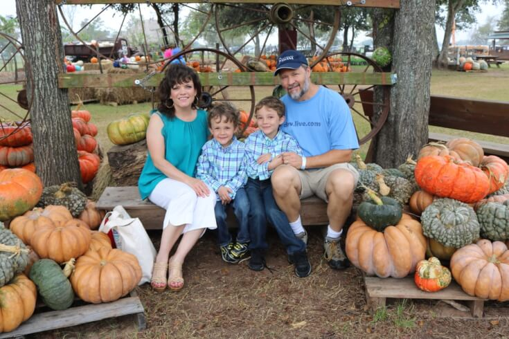 Family photo - Pumpkin Patch 2017