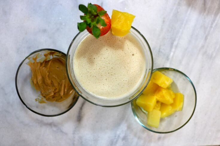 Peanut Butter and Pineapple Smoothie for a Healthy Breakfast