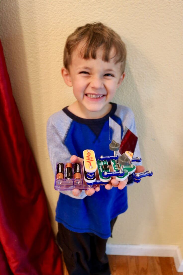 Snap Circuits STEM Kit - FREE STEM Science Activity Pack - Learn Science and Save Lives