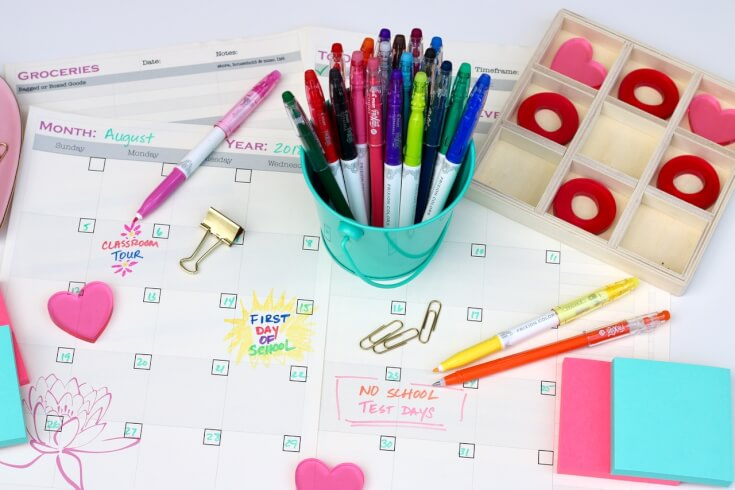 Use Color to Highlight Dates with this FREE 10 Page School Planner to Help You Get Organized